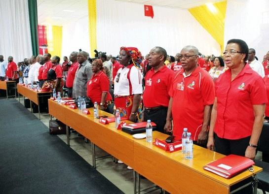 """O partido Frelimo endereçou, ontem, uma saudação especial a toda a mulher moçambicana, em particular, pela passagem, hoje, do """"dia Internacional da Mulher"""", que se celebra sob o lema:"""