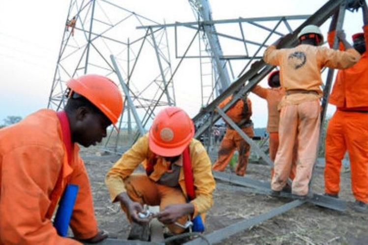 A Electricidade de Moçambique detectou um total de 300 trabalhadores fantasmas, dos três mil de todo o País da instituição, ou seja, em cada 10 funcionários