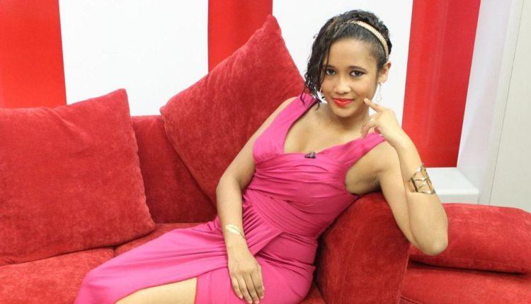 Nasceu a filhinha da Sheila Ibrahimo. Temos notícias que está tudo bem com a Bebê e com a mãe e que os pais estão apaixonados por sua princesinha.