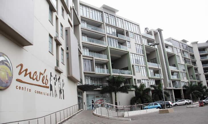 O Centro Comercial Super Marés foi encerrado, nesta quinta-feira, na cidade de Maputo, depois de uma fiscalização resultante de denúncias dos moradores do condomínio