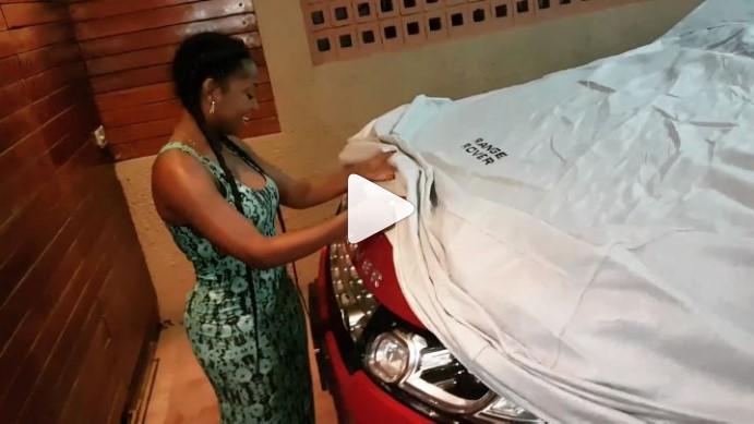 A cantora moçambicana,Anita Macuacua,completou mais um ano de vida no passado dia 2 de Junho e recebeu um Ranger Rover como presente de aniversário