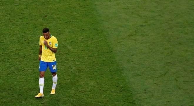 A seleção brasileira foi derrotada pela Bélgica por 2 x 1 nesta sexta-feira e está eliminada da Copa do Mundo da Rússia, ao tomar dois gols no primeiro tempo da partida