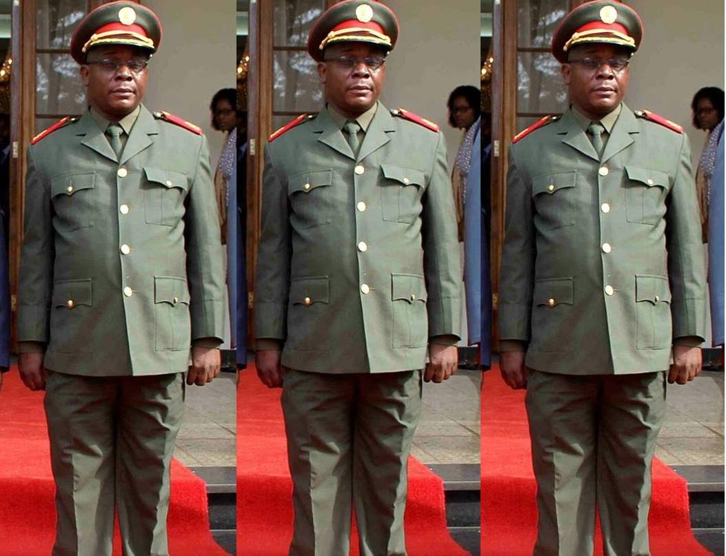 Antigos guerrilheiros da Renamo acusam o general Elias Dhlakama de pretender assumir a presidência daquele partido, sem passar por uma eleição.